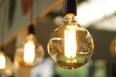 Lys der er blevet installeret af elektriker